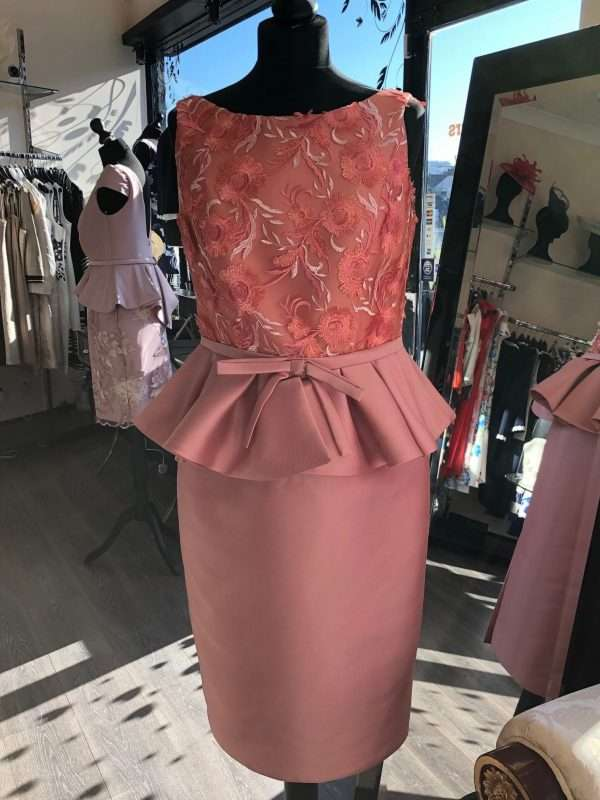 Maria Lago - Sleeveless Coral Lace Dress with Plain Sateen Straight Skirt